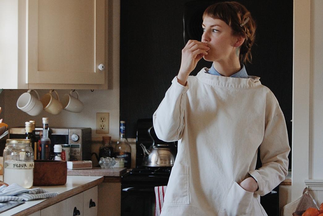 Gamine-Made-in-USA-Piscine-Smock-front-in-kitchen