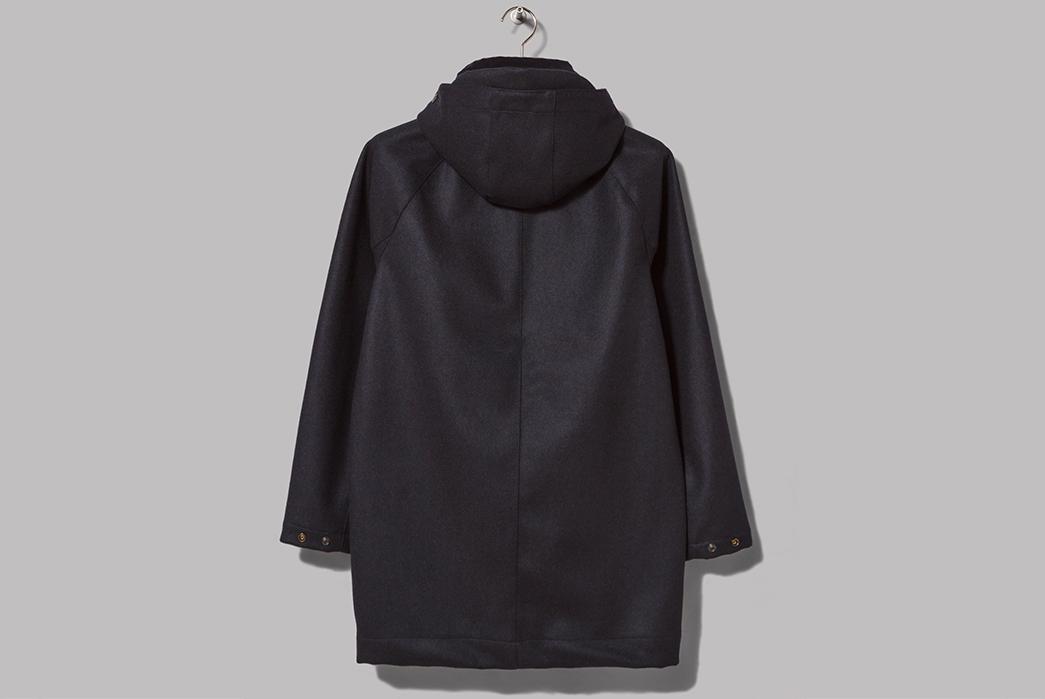 Oi-Polloi-x-Arpenteur-Mevi-Jacket-navi-back-with-hood