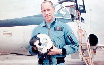 american-flight-jackets-from-1947-to-present-the-complete-guide-apollo-15-astronaut-al-worden-in-his-apollo-flight-jacket-image-via-space-com