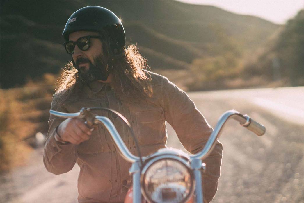 freenote-autumn-2017-lookbook-on-bike-and-road