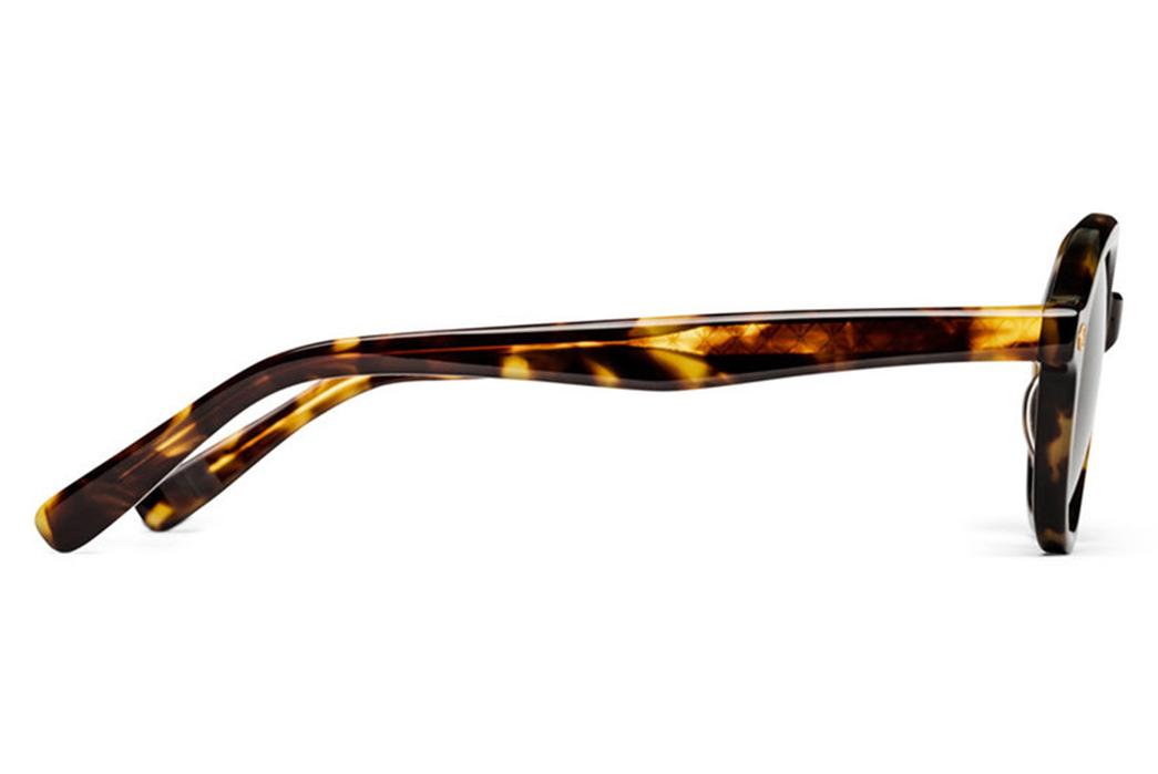 lunettiere-generale-bon-vivant-made-in-japan-tortoise-sunglasses-side