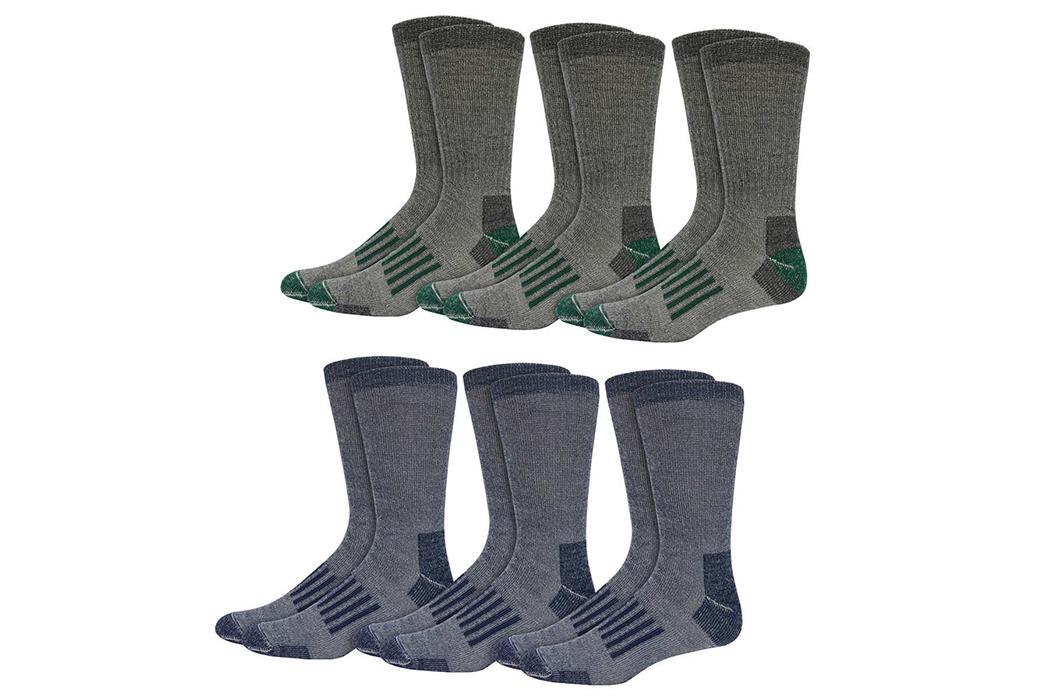 the-heddels-newcomer-gift-guide-2017-2-kirkland-signature-outdoor-trail-socks-6-pack