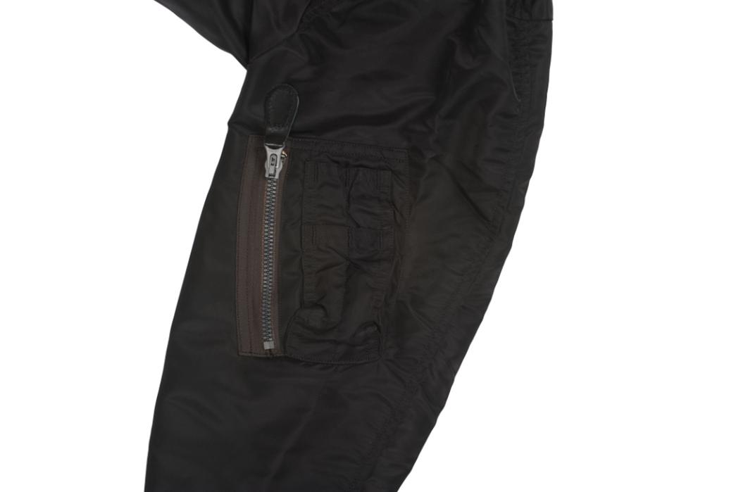 william-gibson-x-buzz-rickson-l-2b-flight-jacket-sleeve-with-pocket