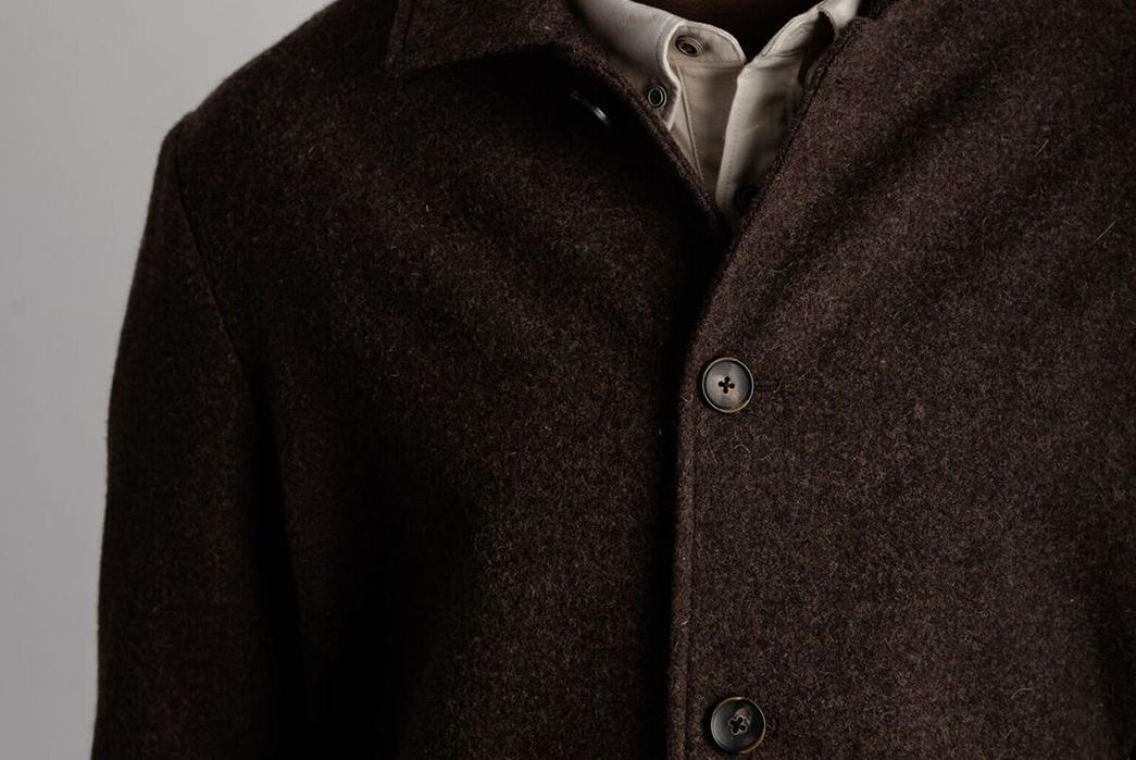 wilson-willys-half-raglan-trench-model-front-dark-detailed