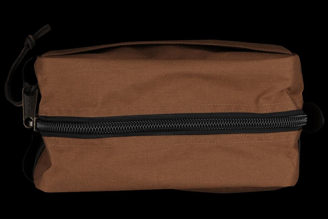 dopp-kit-five-plus-one-1-filson-travel-pack-in-whiskey