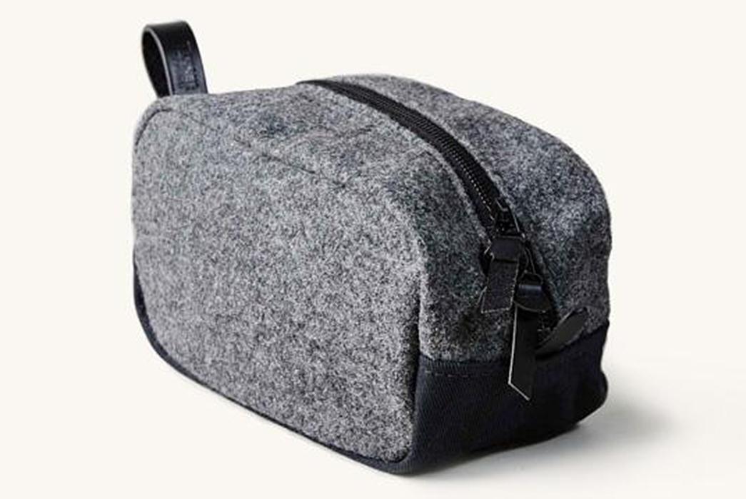 dopp-kit-five-plus-one-3-tanner-goods-drifter-dopp-kit-in-varsity-wool