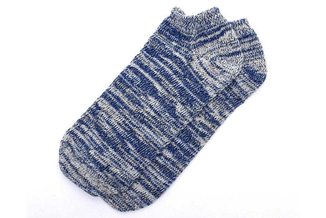 american-trench-random-plait-ankle-socks-blue-white