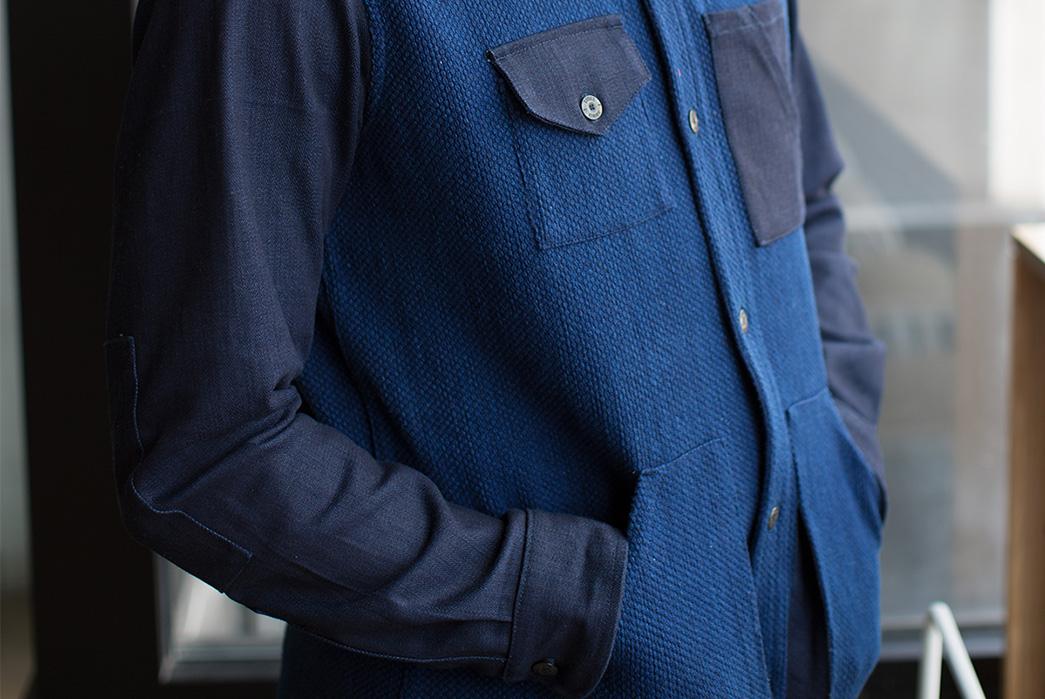 kiriko-helps-stock-mfg-reinterpret-two-of-their-staples-with-vintage-japanese-fabrics-sashi-model-front-pockets-angle