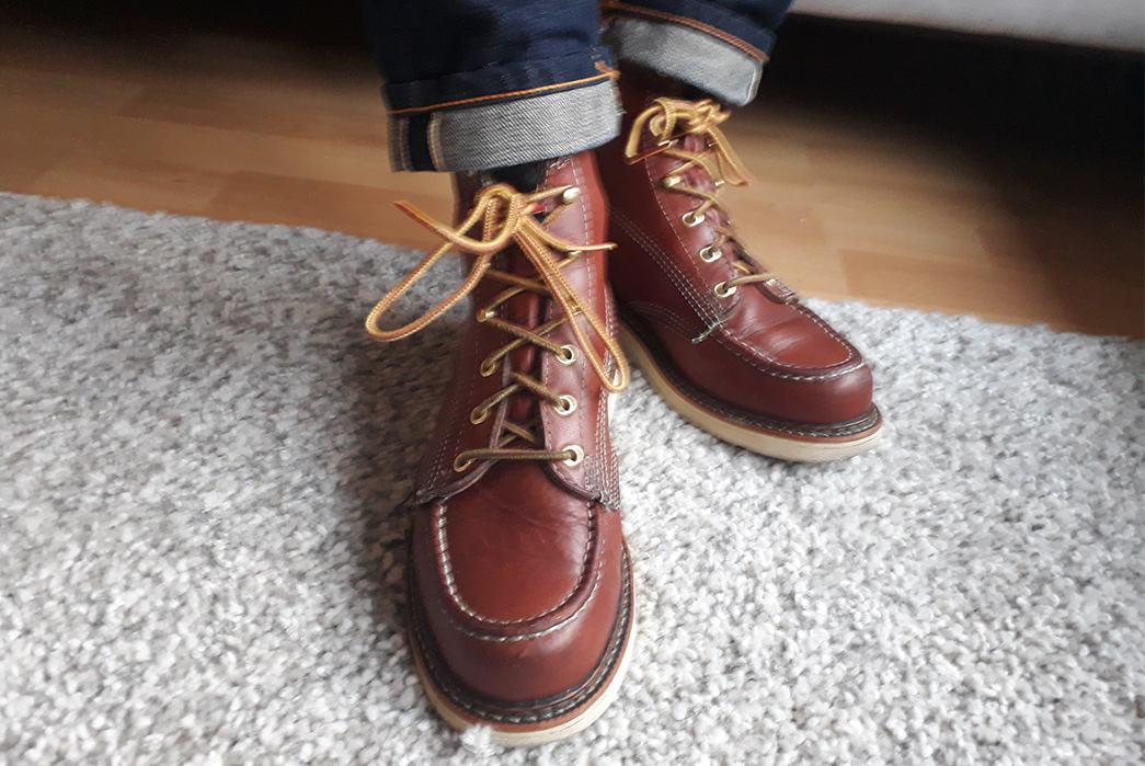 Fade-of-the-Day---Thorogood-814-Moc-Toe-Boots-(20-Months)-model-fronts-2