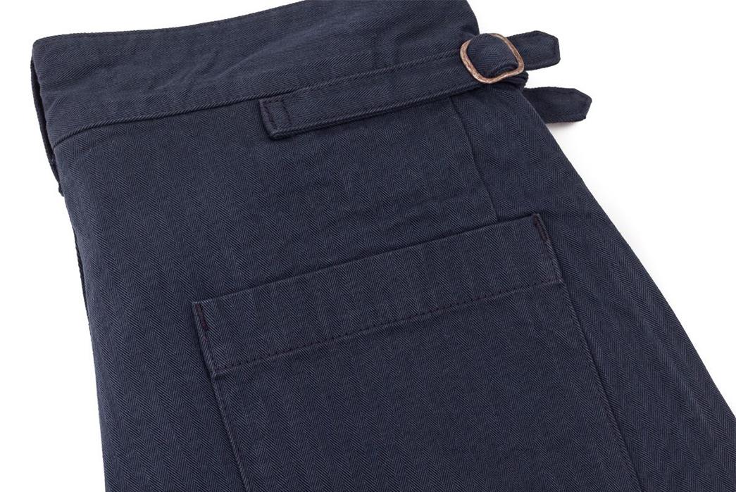 Fujito-Gurkha-Pants-navy-back-pocket