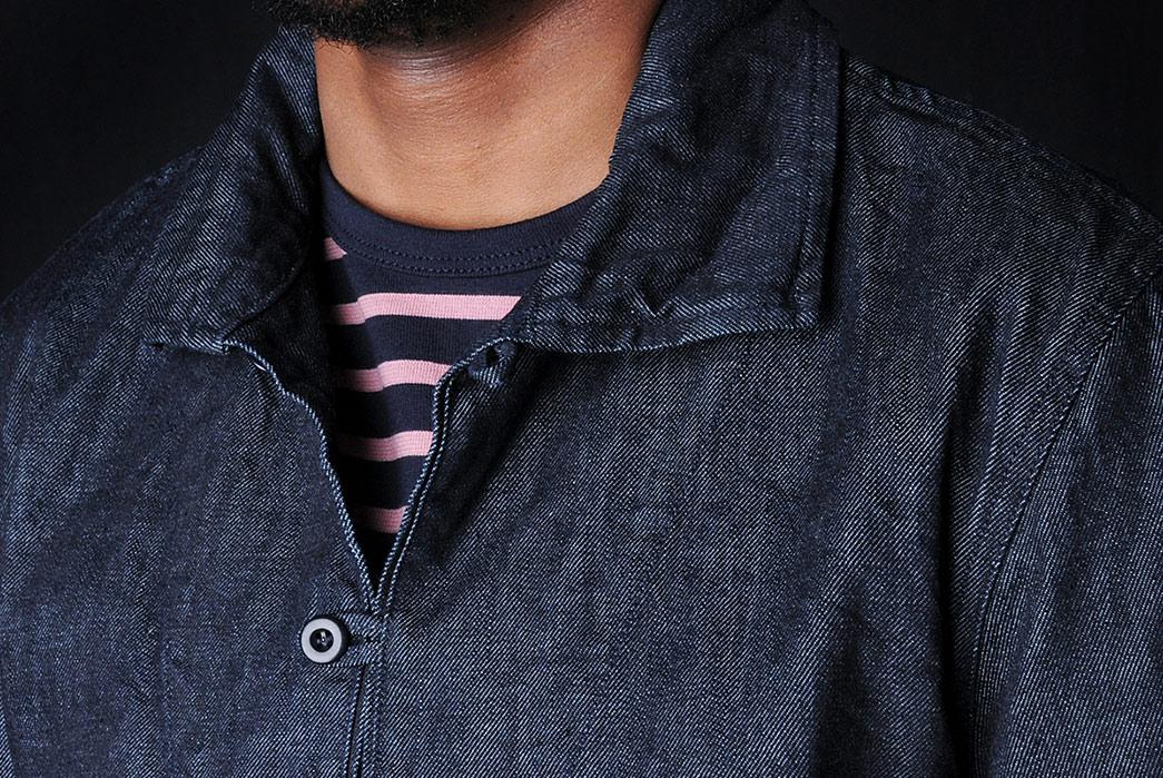 Arpenteur-Roscoff-10oz.-Denim-Popover-model-front-top-collar