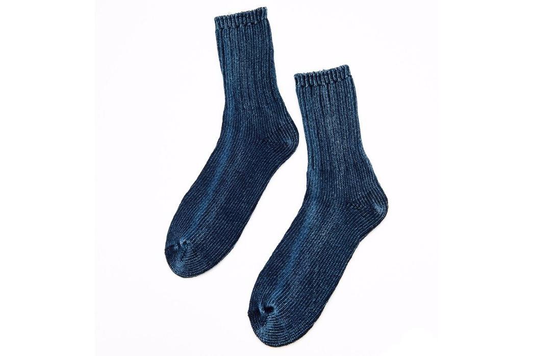 Indigo-Dyed-Socks---Five-Plus-One-4)-Aesthetic-Homage-Indigo-Knitted-Socks