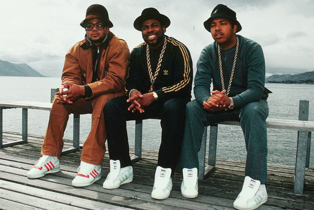 History-of-Bucket-Hats-Run-D.M.C.-on-the-set-of-their-music-video-My-Adidas-in-1986.-Image-via-Def-Jam.