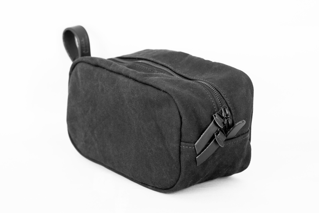 Tanner-Goods-Introduces-Their-Washed-Black-Colorway-small-toillete-bag
