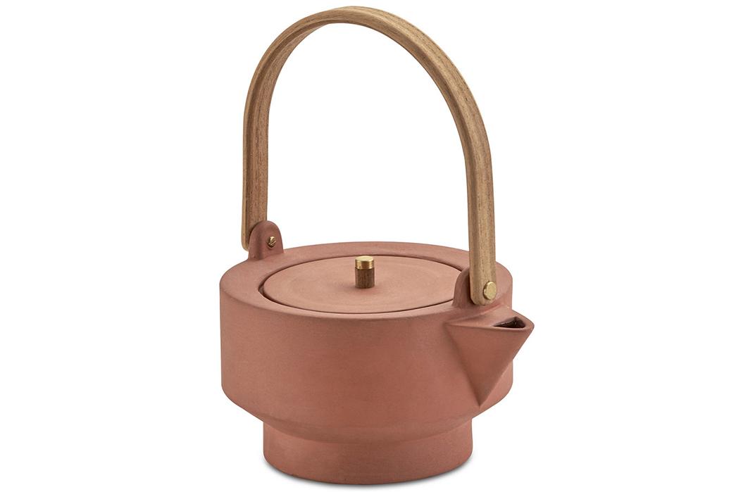 Centerpiece-Teapots---Five-Plus-One-3)-Skagerak-Edge-Teapot