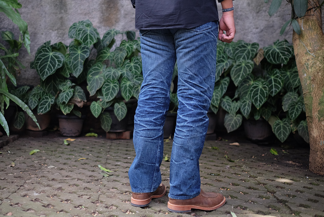 Fade-Friday---Warpweft-Co.-(Unknown-Wear-and-Washes)-model-back-side