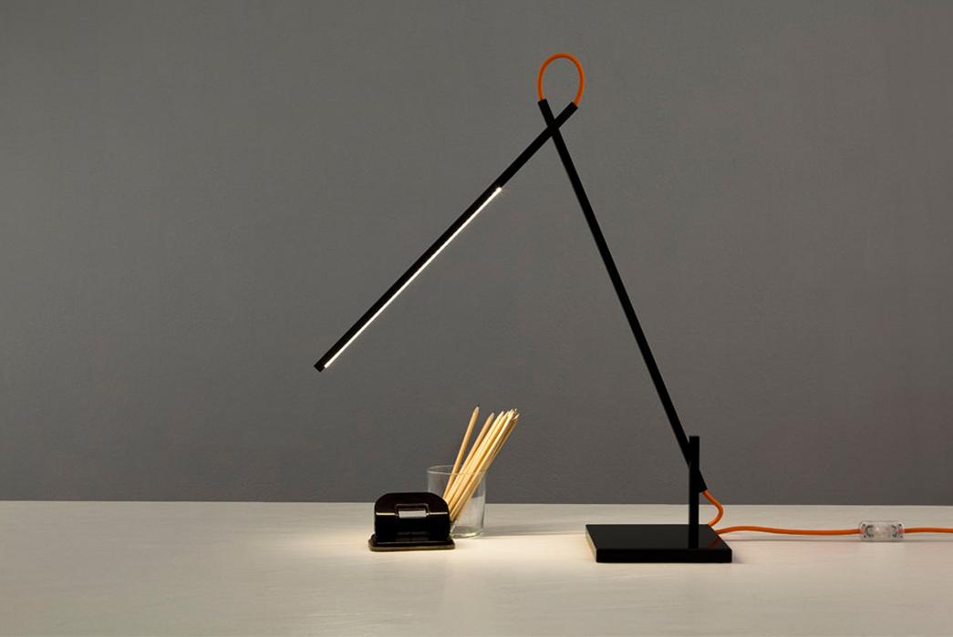 Minimalist-Desk-Lamps---Five-Plus-One-3)-Constantinos-Hoursoglou-Linelight