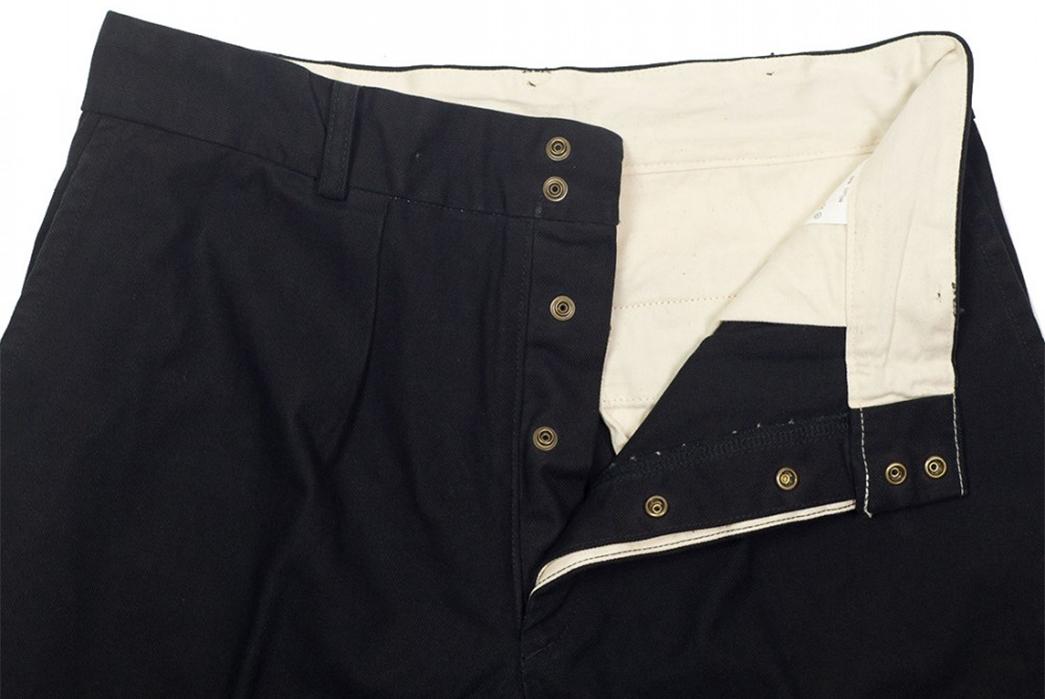 Fujito-Wide-Slacks-black-front-top-left-wing-open