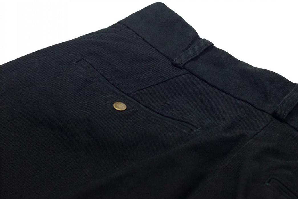 Fujito-Wide-Slacks-blackback-top-left-pocket