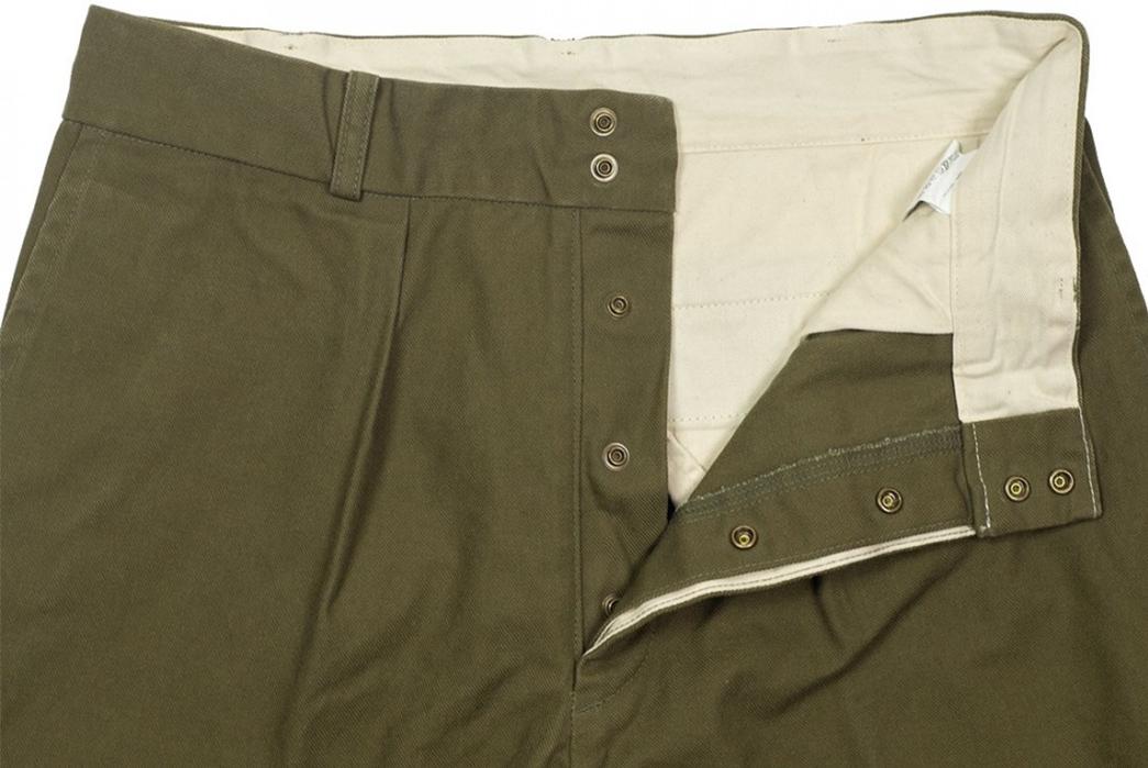 Fujito-Wide-Slacks-green-front-top-left-wing-open