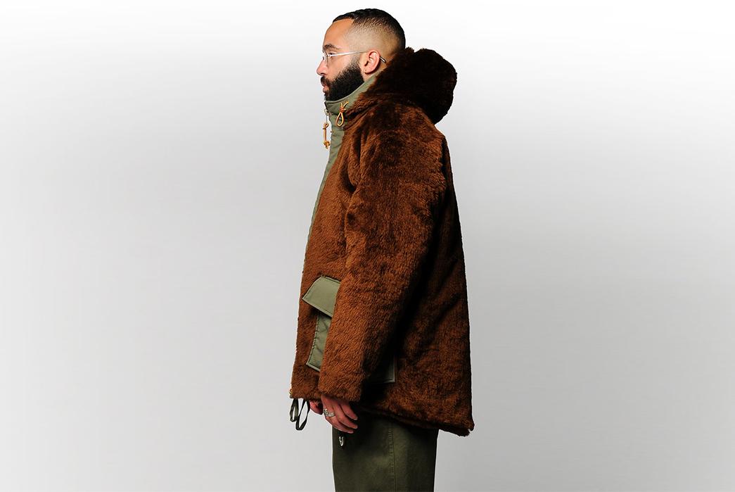 Monitaly-Braces-Faux-Winter-model-side