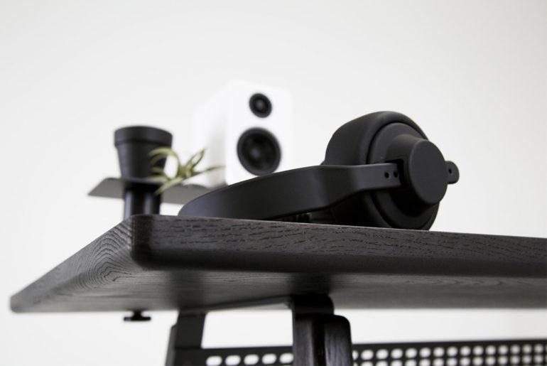 Simple-Desks---Five-Plus-One-Plus-One---Artifox-Desk-02-detailed</a>