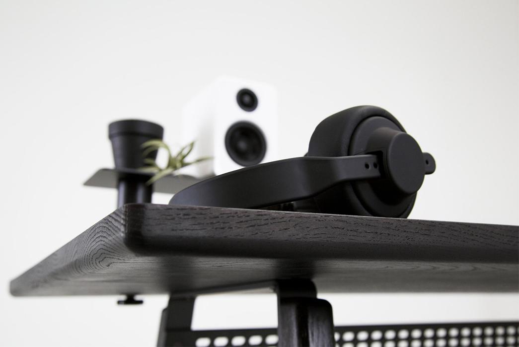 Simple-Desks---Five-Plus-One-Plus-One---Artifox-Desk-02-detailed