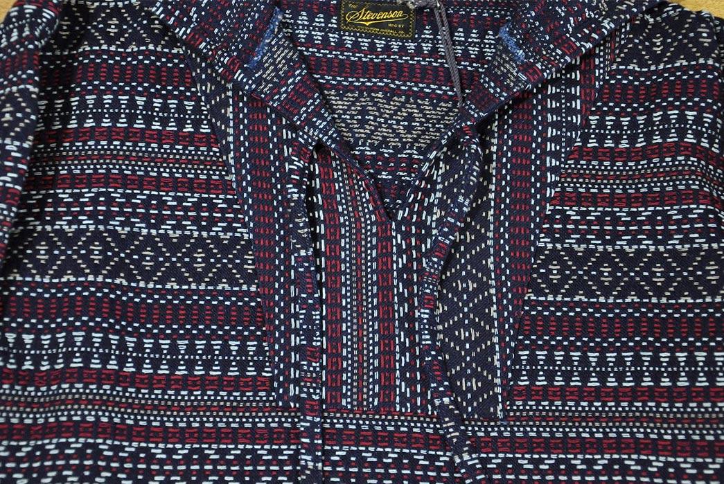 Stevenson-Overall-Nativo-Indigo-Jacquard-pullover-front-collar