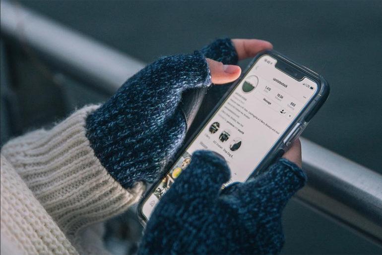 fingerless-gloves-upstate-stock</a>