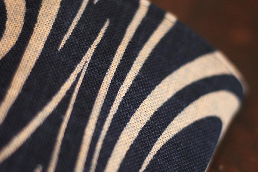 Kiriko-Coffee-Cozies-Indigo-Kanzemizumon-detailed