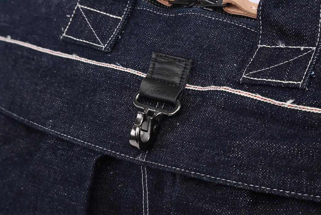 Samurai-17oz.-Denim-Helmet-Bag-buckle