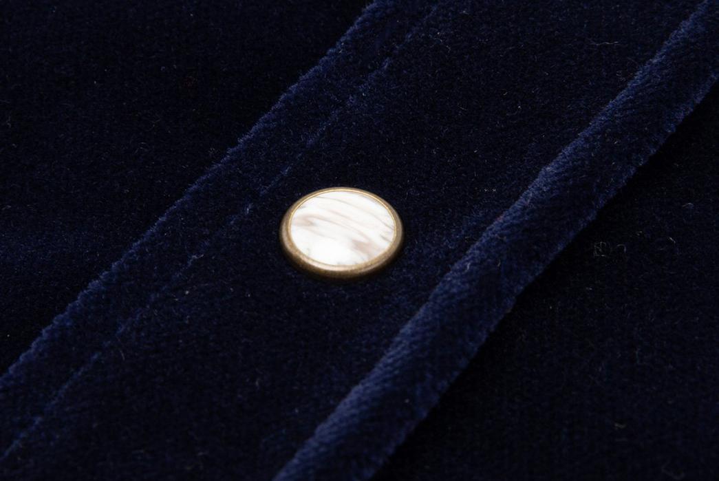 Eat-Dust's-Western-Spin-on-Blue-Velvet-front-button