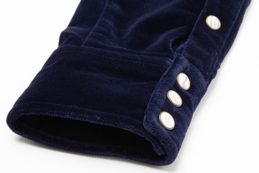 Eat-Dust's-Western-Spin-on-Blue-Velvet-sleeve