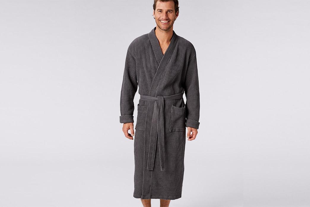 Luxurious-Robes---Five-Plus-One-3)-Coyuchi-Unisex-Robe