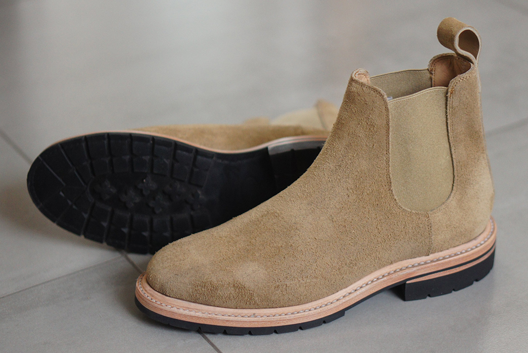 Unmarked-Chelsea-Boots-pair-front-side-and-bottom-2