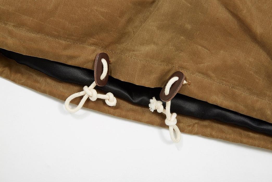 Joe-&-Co.-Cagoules-brown-sleeves-and-strings