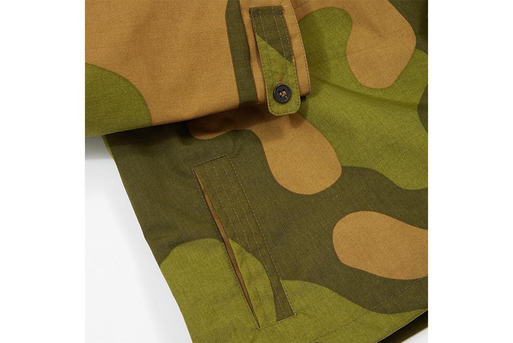Joe-&-Co.-Cagoules-camo-sleeve-and-pocket