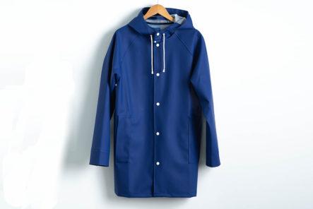 Pray-for-Rain-Albatroz-Raincoat-blue-front