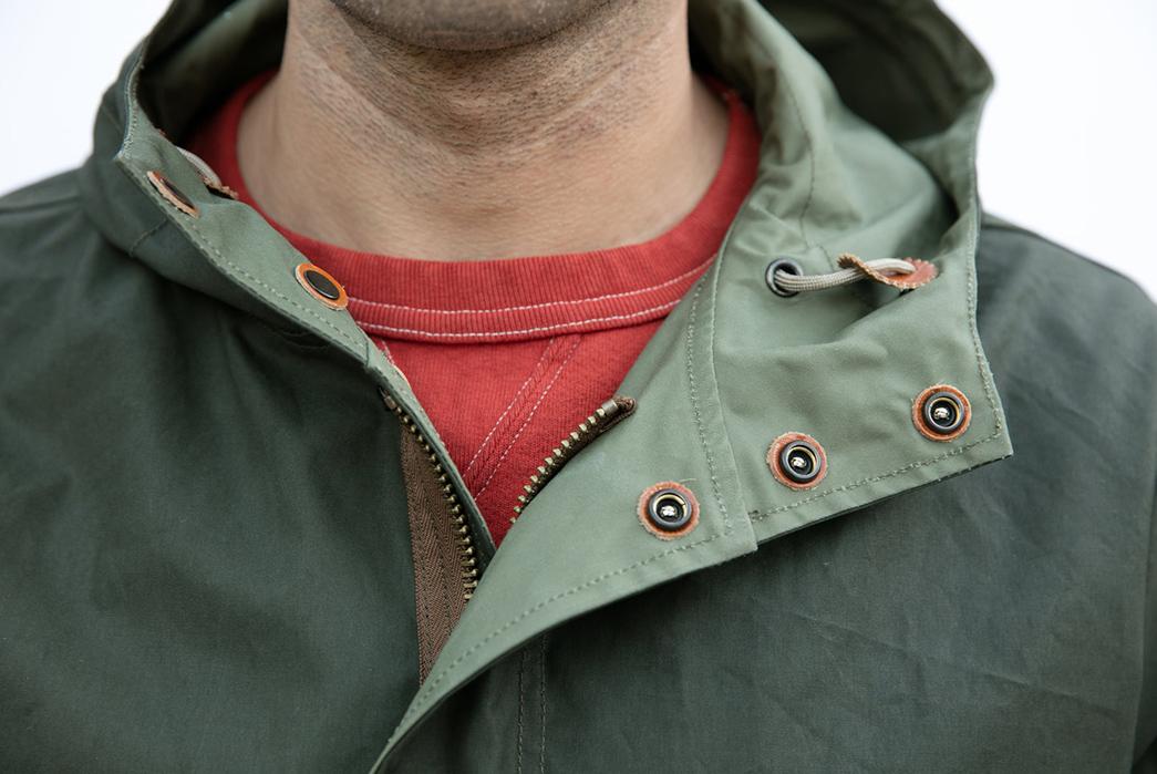 Runabout-Goods-Overland-Parka-model-olive-collar
