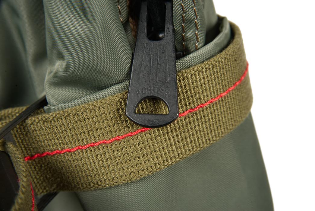 Buzz-Rickson-x-Porter-Backpack-light-zipper