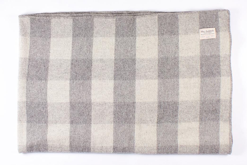 MacAusland-Woolen-Mills-Virgin-Wool-Blankets-dark-folded-2
