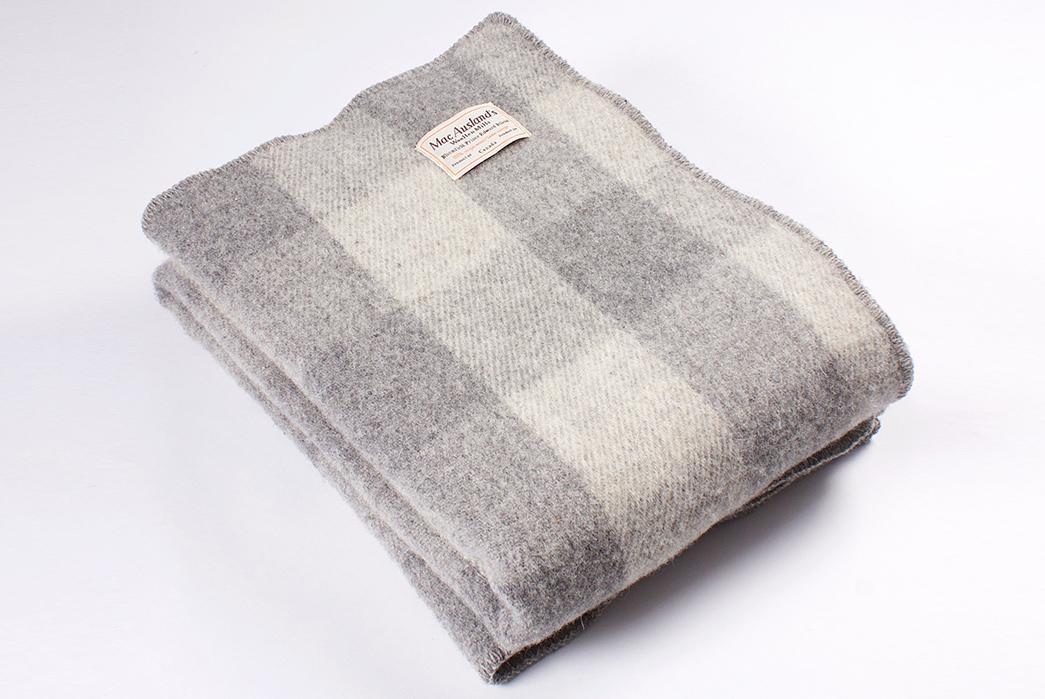 MacAusland-Woolen-Mills-Virgin-Wool-Blankets-dark-folded