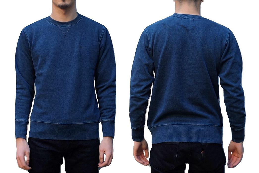 Deep-Indigo-Sweatshirts---Five-Plus-One-4)-Senio-Indigo-Dyed-Crewneck