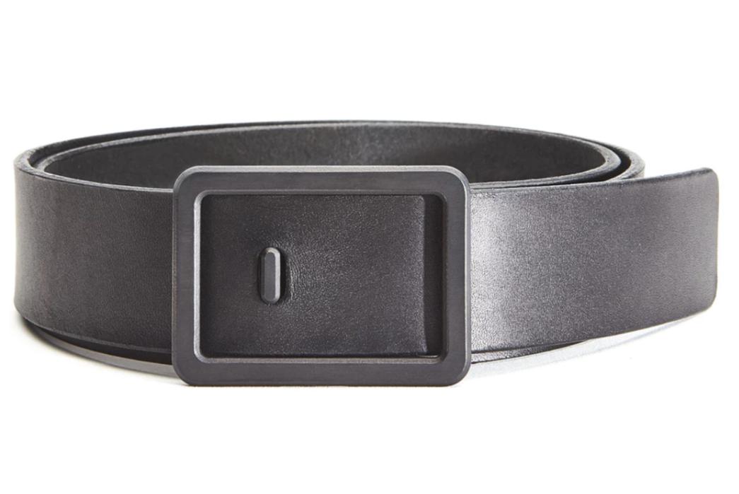 Simple-Black-Leather-Belts---Five-Plus-One-Plus-One-–-Grovemade-Minimalist-Black-Leather-Belt