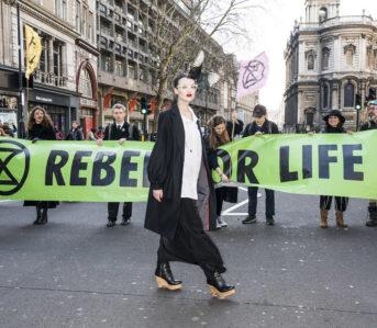 weekly-rundown-lfw-protest-vogue-Immo-Klink