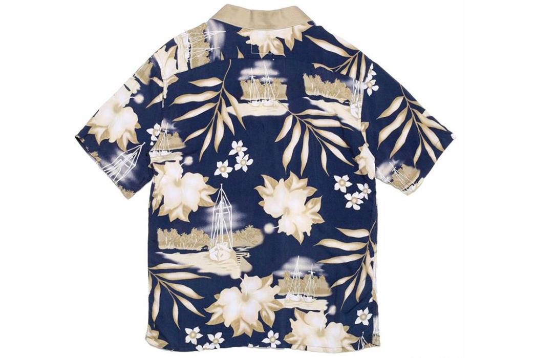 Atelier-&-Repairs-Celebrates-Golden-Week-with-a-Hawaiian-Shir-Noragi-Hybrid-blue-beige-back