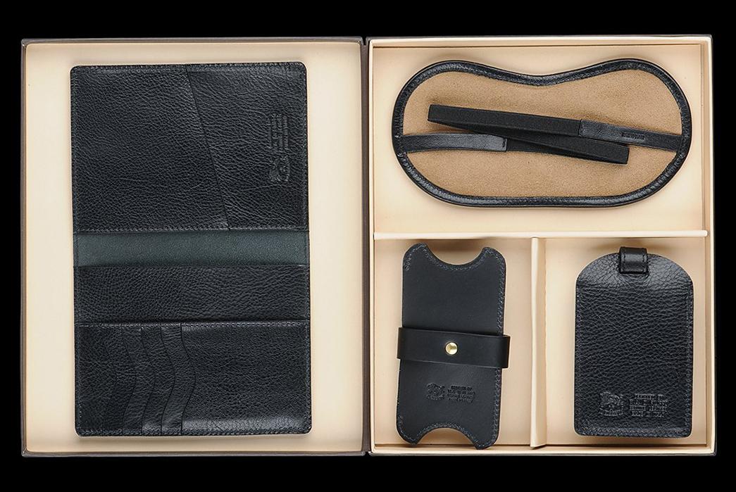 Il-Bisonte's-Travel-Kit-Logs-Your-Globetrotting-in-Patina-black-back