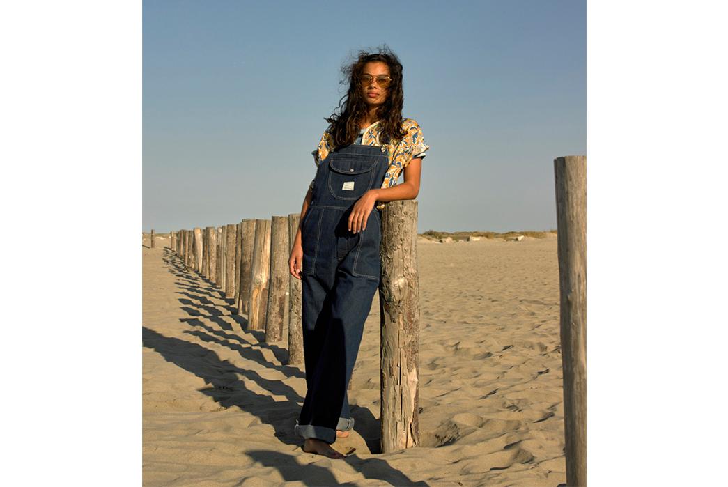 W'menswear-Spring-Summer-2019-blue-shirt-and-grey-pants