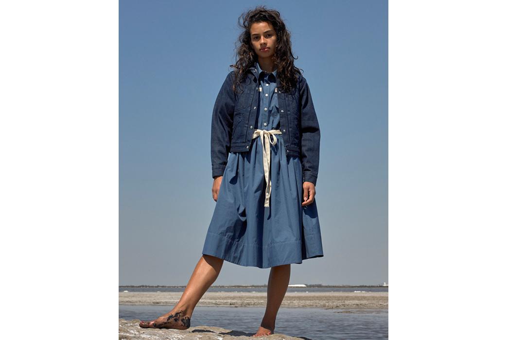 W'menswear-Spring-Summer-2019-dark-blue-jacket-and-blue-dress
