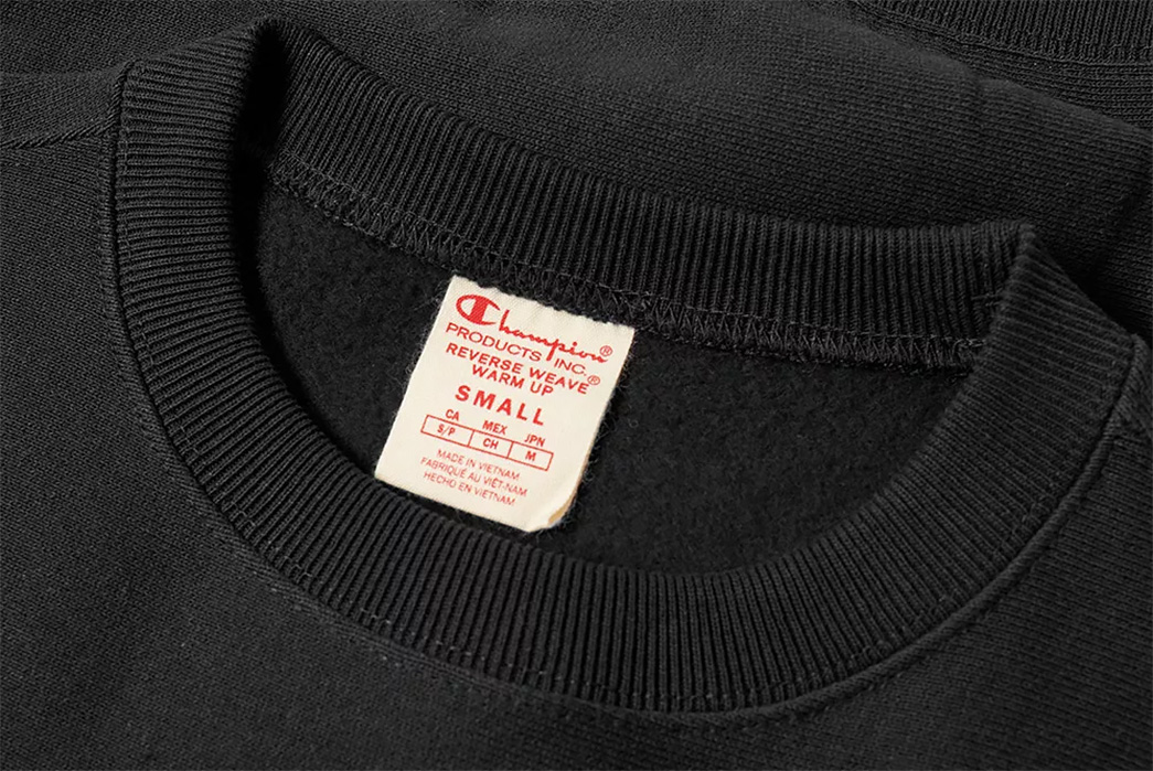 champion-reverse-weave-close-up-end-clothing
